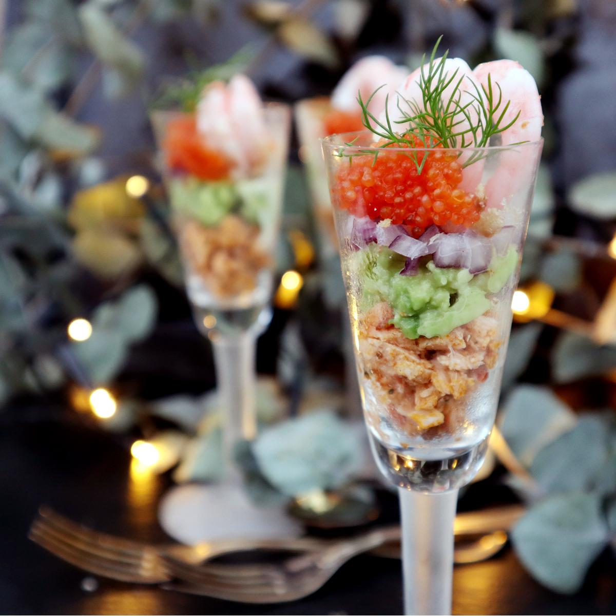 Festligt med räkor i snapsglas
